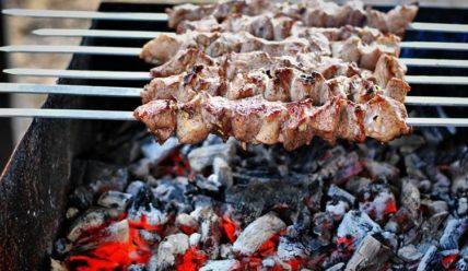 Расчёт: сколько мяса на шашлык на человека